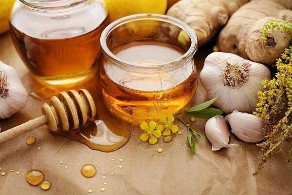 Cách trị sổ  mũi cho trẻ sơ bằng tỏi và mật ong
