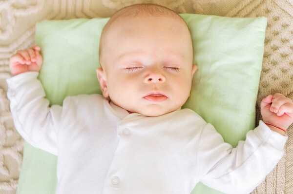 Cách trị sổ  mũi cho trẻ sơ sinh tại nhà an toàn
